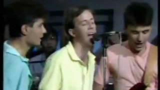 Groenlandia LA HONORABLE SOCIEDAD / lyrics letra / en vivo 1988