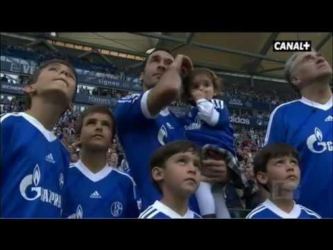 Schalke's emotional farewell toRaul Gonzalez