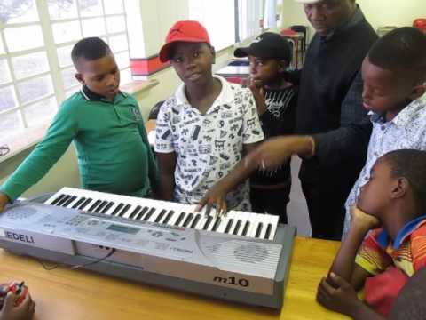 Music lessons at Khanya Creative Arts Institute