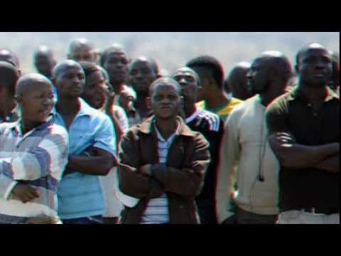 Thousands of S Africa platinum workers strike over pay