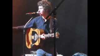 The Kooks live in Singapore - Jackie Big Tits (acoustic)