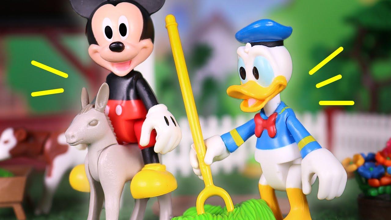 Mickey Mouse Juguetes en Español 🐭 Visita a la GRANJA 🚜💨