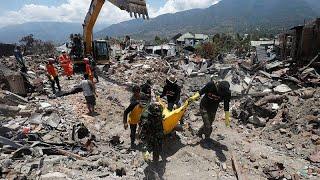 ارتفاع عدد ضحايا زلزال وتسونامي إندونيسيا إلى أكثر من 1649 قتيلا…