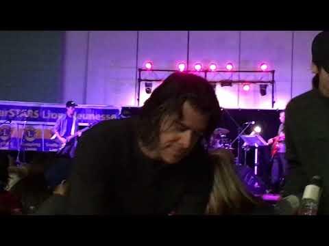 rihanna-star-concert-(nirvana-man-who-sold-the-world)