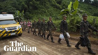 Thailand cave rescue underway: authorities evacuate site and send in 18 divers thumbnail