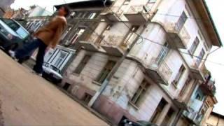 Iuliano - Sunt singur pe drum