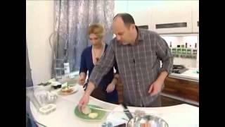 Тарталетки из тостового хлеба, фаршированные сельдью рецепт от шеф-повара / Илья Лазерсон