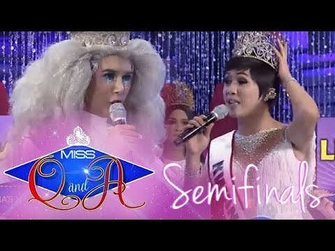 It's Showtime Miss Q & A: Moises passes the question to K Bernardo and Kwangky