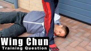 Wing Chun training - wing chun how to deal with knee attack in street Q34
