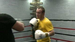 Кадырову сломали ребро на тренировке по боксу