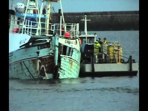 Salvage of the fishing boat grenaa star hl112 at south for Outboard motor salvage yard