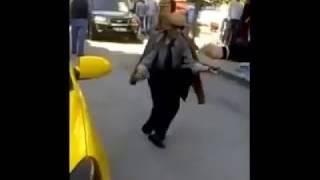 Yol Ortasında Oynayan Dede ve Genç Ankaralı BU işte & +1 Milyona