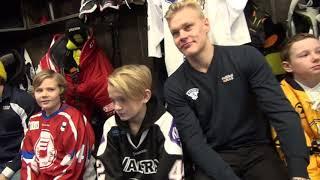 """""""Oli tosi siistii!"""" - Video näyttää, kuinka lähtöseurajunioreiden päivä Karjala-turnauksessa sujui"""