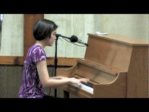 Stephanie Trick plays Echo Of Spring stride piano