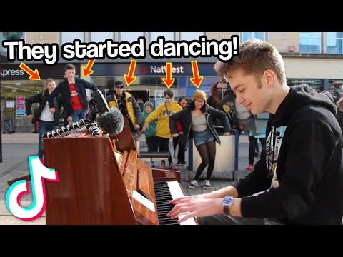 I played TIKTOK SONGS on piano in public