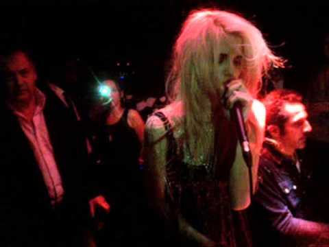 Sky Ferreira - Rancid Girl