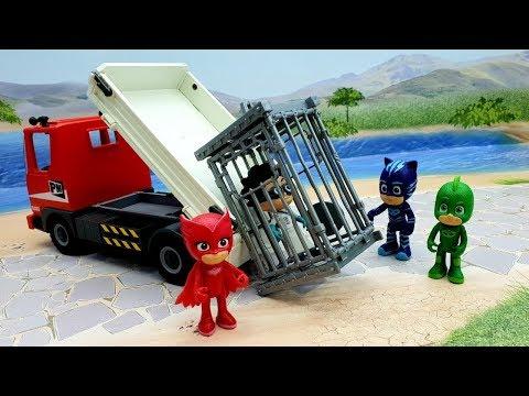 Мультики про машинки с игрушками Плеймобил Герои в масках - Пингвин.