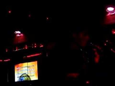 Pako Madrid y Corey Kepler a Bar Karaoke en Zona Rio