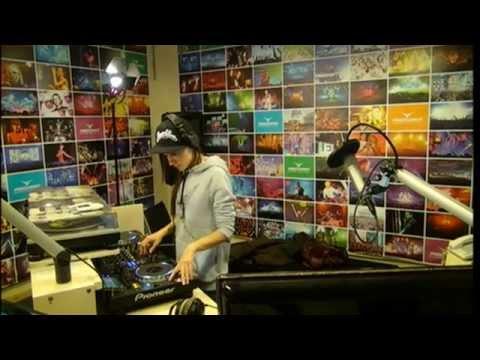 Lady Waks In Da Mix # 270 (05-03-2014)