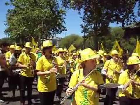 Marea amarilla Banda de la Almozara