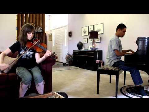 """CRYSTALLIZE"" : LINDSEY STIRLING JAMS WITH BLIND PIANO PRODIGY KUHA"