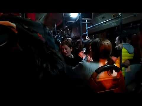 Демонстрация в Ереване. В автобусе все кричат Абовян!