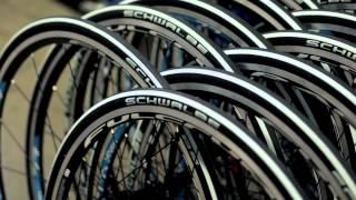 Как делают велосипеды на заводе CUBE Bikes (Германия)(Видео о баварском заводе CUBE Bikes. Станьте свидетелями проектирования и создания самых совершенных велосипед..., 2014-01-27T12:34:22.000Z)