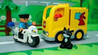 Машинки в ЛЕГО мультике - Пропавший тортик. Самолет. Грузовик. Полицейский мотоцикл. Автобус.(Машинки в ЛЕГО мультике - Пропавший тортик. Самолет. Грузовик. Полицейский мотоцикл. Автобус - это интересны..., 2015-12-06T12:09:12.000Z)