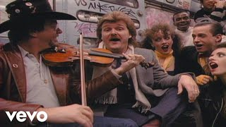 Watch Ricky Skaggs Country Boy video