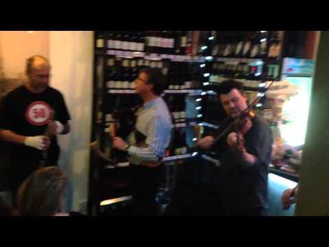 dudy, housličky, basa, hoboj... ve vinárně křižík