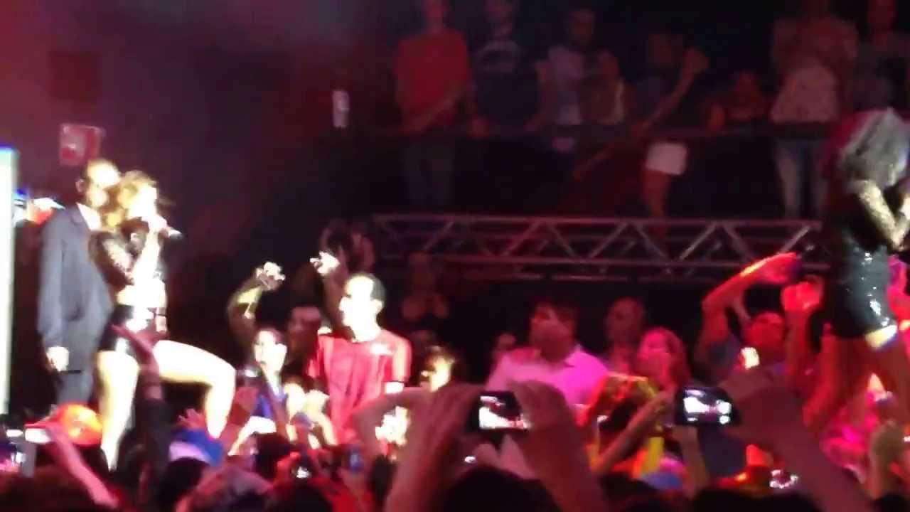 Wanessa - Feat. Negra Li - Você Vai Estar Na Minha (Flexx Club 26/10/2013)