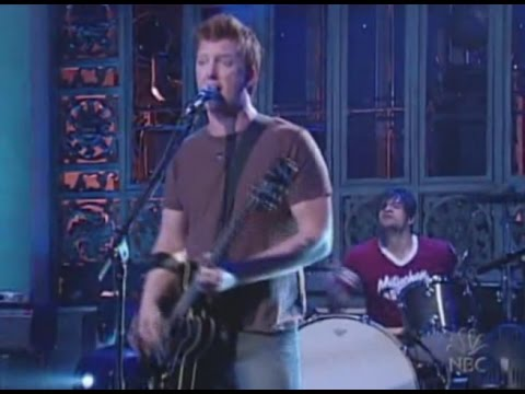 Queens of the Stone Age - In My Head (SNL 2005)