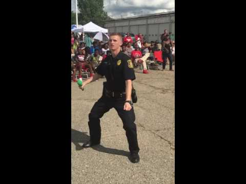 OFFICER TYLER MOUNT MORRIS POLICE ROCK THE MIC DOING Karaoke