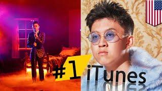 Rich Brian jadi penyanyi Asia pertama yang merajai tangga lagu iTunes Hip-Hop - TomoNews