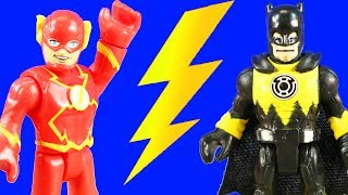 Imaginext Flash Time Travels To Rescue Batman ! Speedster Flash Battle ! Superhero Toys