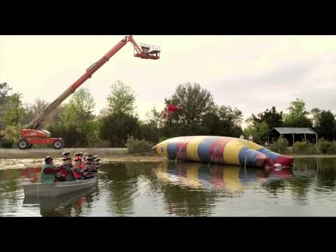 JACKASS 3D di Jeff Tremaine - Trailer - WWW.RBCASTING.COM