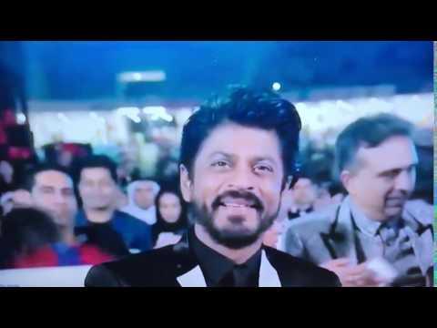 Salman Khan Dances on Shahrukh Khan Song in 2016 award show