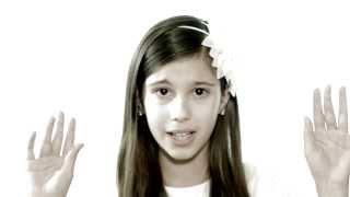 видео Лучшие подарки для девочек на 8 марта - купить и порадовать подростка или малышку