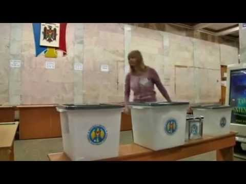 Moldova split between EU and Russia ahead of parliamentary elections