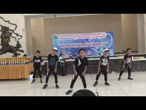MODERN DANCE  KELAS 5 SDN Sukorame 3 Kediri ( BANG...BANG...BANG...