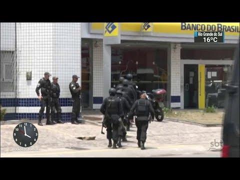 Bandidos amarram explosivos no corpo de gerente de banco feito refém | SBT Notícias (30/09/17)