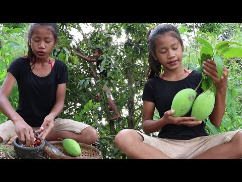 Survival skills: Find & meet natural mango for food - Green mango eating delicious #21