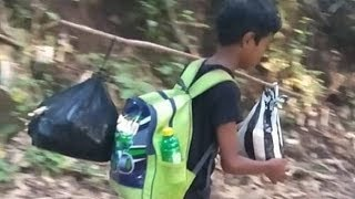 Bocah SD ini Hanya Berbekal Jagung Padahal Ia Harus Jalan Kaki Selama 3 Jam Untuk Pergi Ujian Sekola