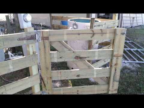how to build a wooded farm gate