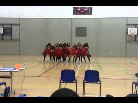 Cheerleaders from University of Bedfordshire