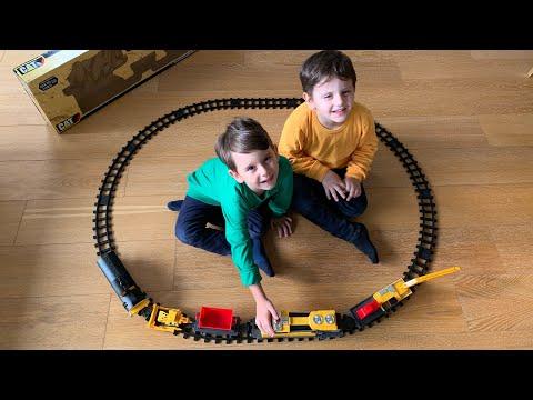 Yusuf Ve Ömer Tren Yolu Oyunu Oynuyorlar😁🚃Cuf Cuf Tren Gidiyoooor😍