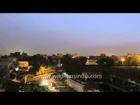 Sunset at Greater Kailash-1 in Delhi - Timelapse