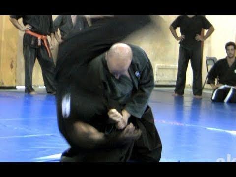 How to do fast kata guruma, fireman's carry - Ninjutsu Technique for Akban wiki