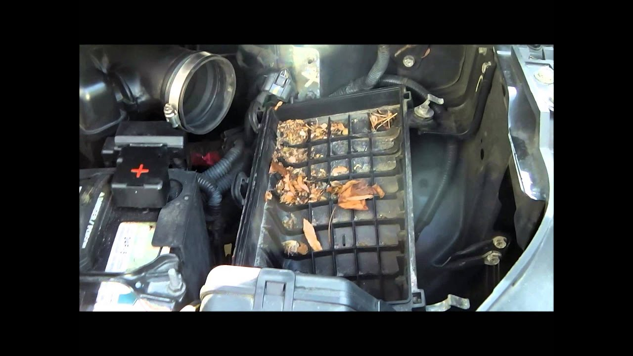 Cleaning Mass Air Flow Sensor Maf Amp Changing Air Filter On Nissan Quest 2006 Youtube