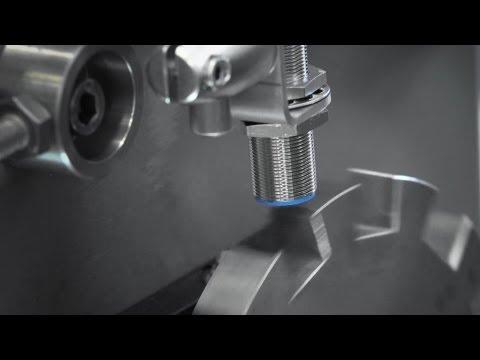 SAM inductive proximity sensor from SICK monitors impulses and accelerations | SICK AG